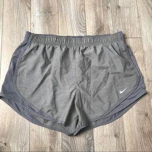 NEW Nike women's gray running shorts size large